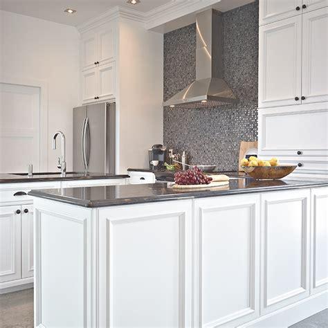 cuisine armoires blanches armoire de cuisine bois dosseret de cuisine bois