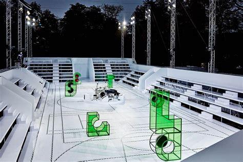 bureau de change tuileries 1595 best runway space images on fashion