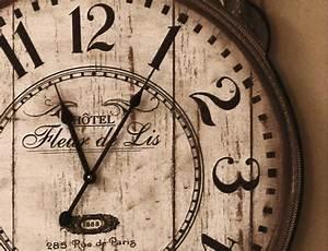 Vintage Wanduhr Groß Holz Metall : geh mit der zeit mit einer stylischen vintage wanduhr ~ Bigdaddyawards.com Haus und Dekorationen