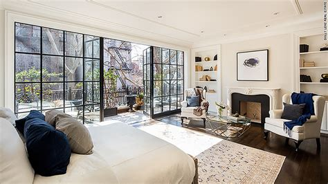 townhomes with master bedroom on floor rupert murdoch s 29 million new york townhouse for 21168
