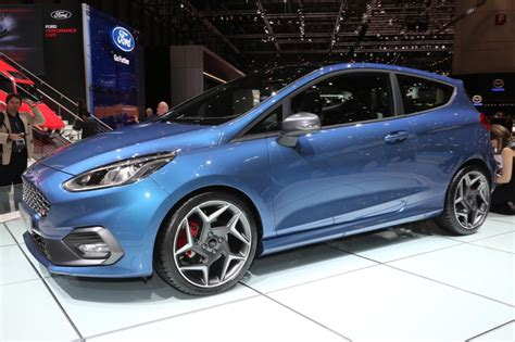 ford fiesta st  sportive  cylindres
