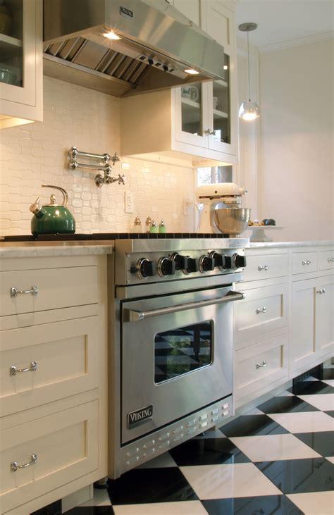 White Tile Kitchen Backsplash Ideas
