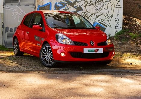 renaults racy clio  tested wheels