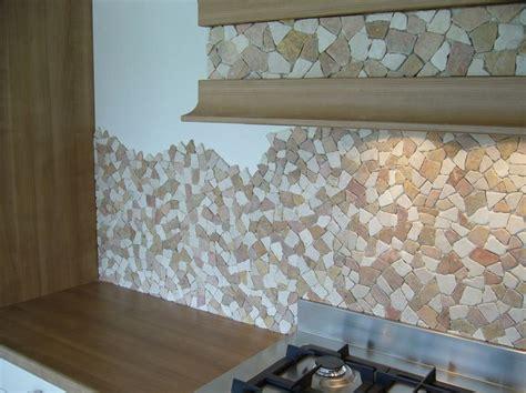 rivestimento cucina mosaico pietra naturale palladiana su