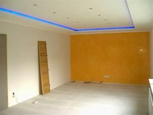 Indirekte Beleuchtung Schlafzimmer : indirekte beleuchtung mit farbigen lampen stuck zierprofile und beleuchtung pinterest ~ Sanjose-hotels-ca.com Haus und Dekorationen