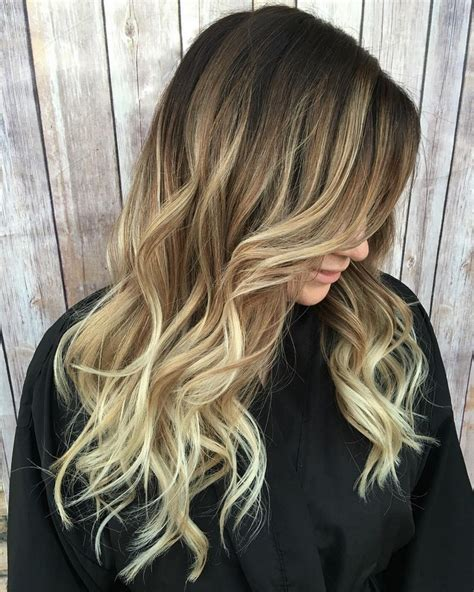 farbverlauf haare braun blond style ombre blond braun spitzen lange haare locken