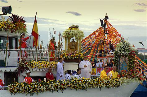 File:Sinulog Festival - Fluvial Procession (3298505319