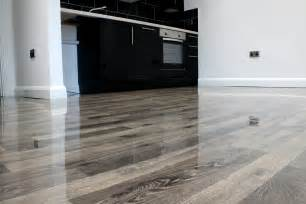 floorless floors supplies ivory high gloss laminate to local property developer floorless floors
