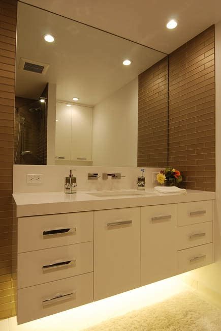 pros cons  wall mounted vanities  lighting