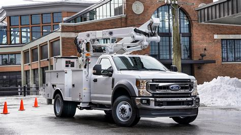 ford adds    super duty   commercial lineup