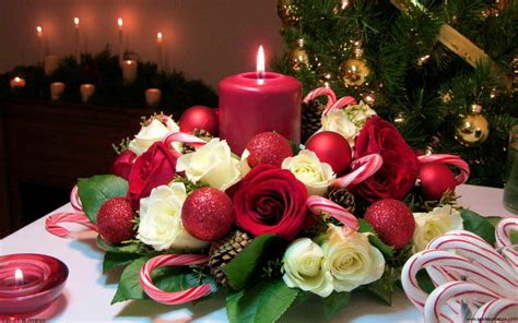 christmas candle bouquet  white  red roses red