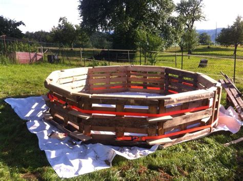chambre froide construction this diy pallet swimming pool is for any backyard