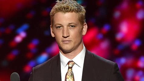 Miles Teller Debuted His New Blonde Hairdo and Twitter ...