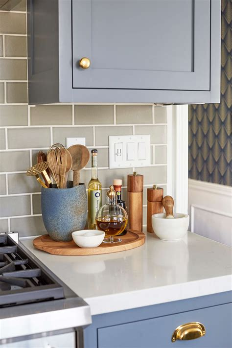 ideas for decorating kitchen countertops 5 ways to style an renter 39 s kitchen rental kitchen