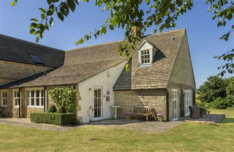 cottage to let cottages to let in broadway