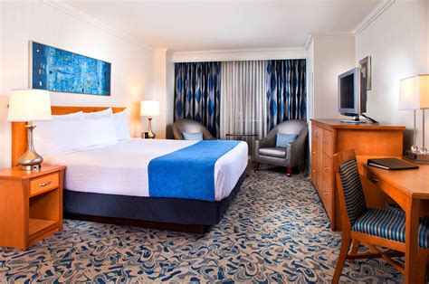 Biloxi, Ms Luxury Hotel Rooms Square Black Kitchen Table Valentines Day Settings Expandable Dining Room Sets 2 Chairs And Set Round Small Mat Commercial Tables A Place At The