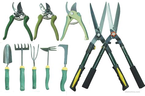 tools used for gardening basic tools to garden a family garden 10 essential garden