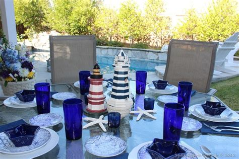 beautiful summertime tablescapes