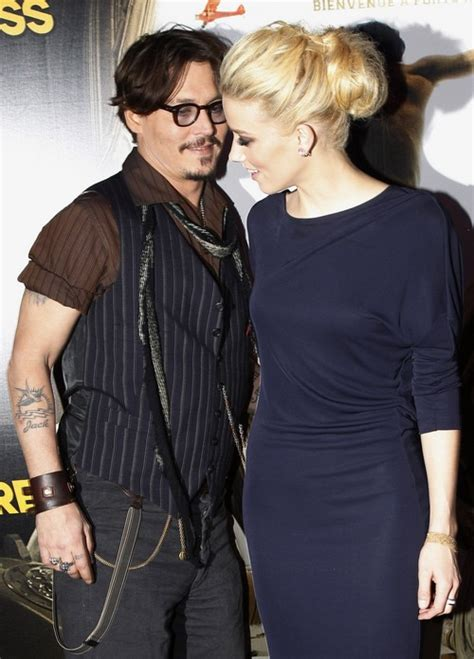 Amber Heard And Johnny Depp Engaged Officially ...