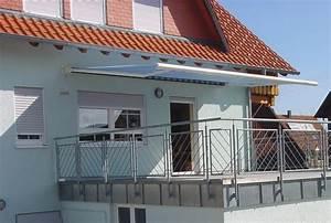 Markise Unter Dach : markise befestigen balkon markise alu deckewand ~ Whattoseeinmadrid.com Haus und Dekorationen