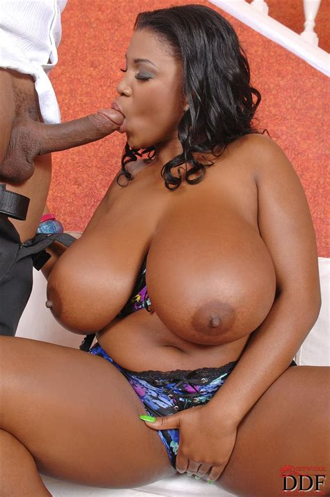 busty maserati nude mom xxx bild