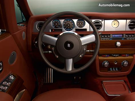 0802_15_c2009_rolls-royce_phantom_coupeinterior_view