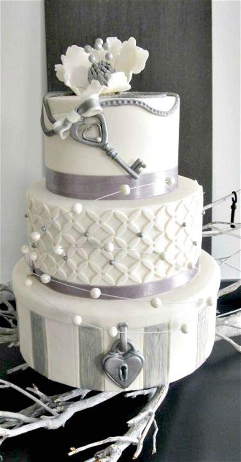 interestingly unique wedding cake ideas   big day