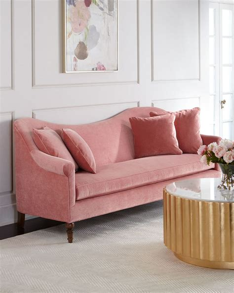 pink velvet settee 1000 ideas about pink sofa on chairs