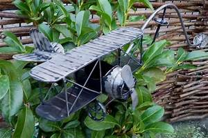Windspiel Garten Metall : windspiel wippe gartenstecker flugzeug doppeldecker garten ~ Lizthompson.info Haus und Dekorationen