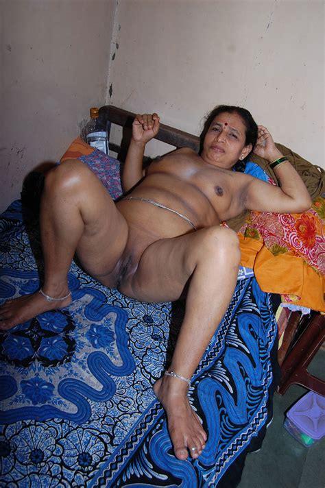 Porn Pics Indian Mature Aunty Yashoda Nude Pics Indian