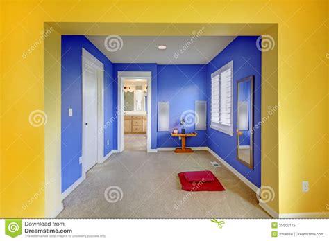 chambre bleu et jaune chambre jaune et bleu idées de design suezl com
