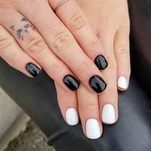 Tatouage Sur Doigt : lifestyle motif chat tatouage subtil tatouage sur le doigt ~ Melissatoandfro.com Idées de Décoration