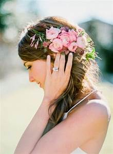 How To Rock Fresh Flowers In Your Hair 65 Ideas