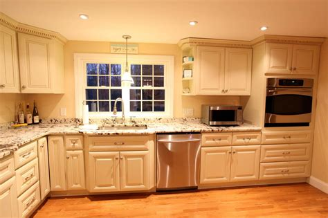 Low Cost Kitchen Cabinets by Are Glazed Kitchen Cabinets Out Of Style Homes By