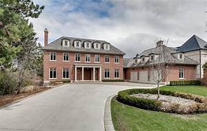 5 8 Million For A Humber Valley Villa With A Golf Course