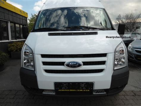 Ford Transit \ 2010 Box-type Delivery Van