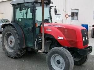 Massey Ferguson 3435 S Vineyard Tractor  49400 Saumur