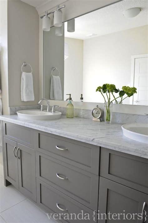 Bad In Grau by Gray Bathroom Vanities On