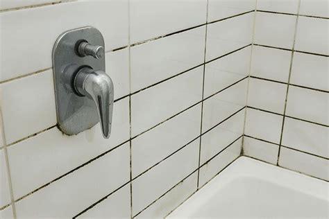 astuce moisissure joint salle de bain moisissure salle de bain bicarbonate de soude de