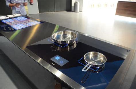 prise electrique design cuisine le mag de la maison intelligente la plaque à induction