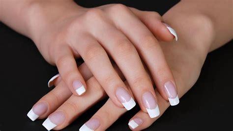 Comment se faire une manucure nos conseils pour faire une manucure soimême french manucure soins des ongles. .