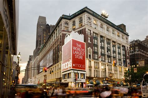 Macy's, Kohl's Among Retailers Opening On Thanksgiving Day