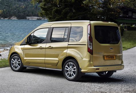 Ford Tourneo Connect Estate Review (2013 - )