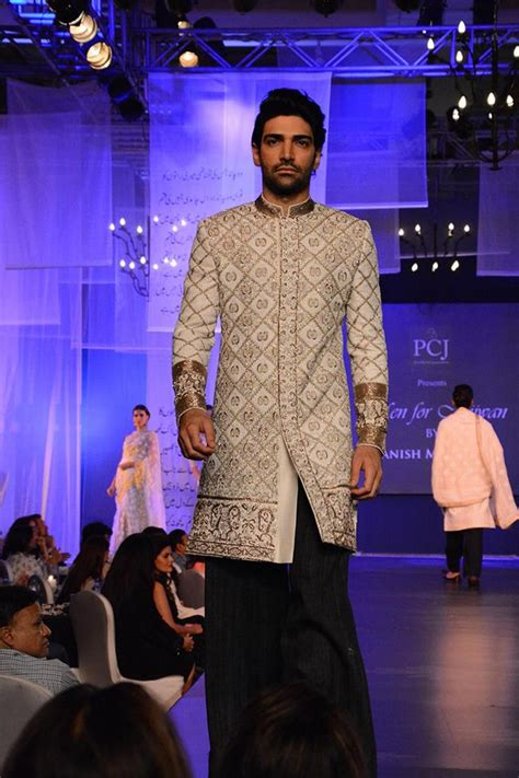 manish malhotra stunning sherwani designs  men