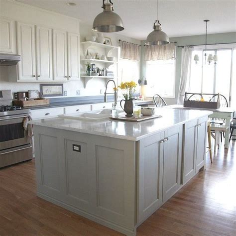 painting kitchen cabinets with sloan best 25 sloan chalk paint kitchen ideas on 9061