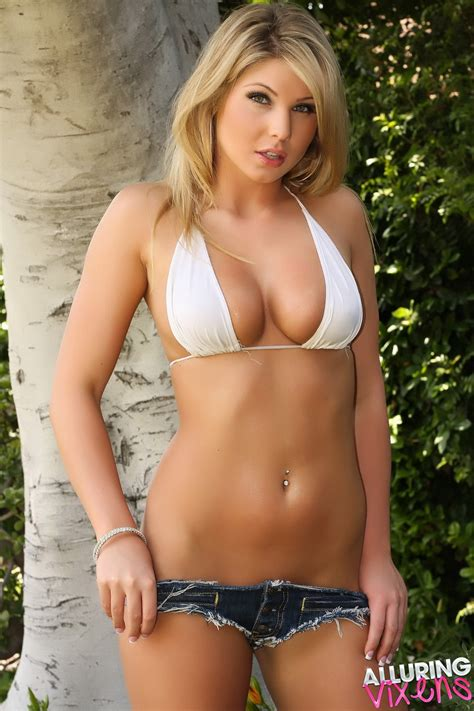 Hot Hotties Alluring Vixens Brianne In A White Bikini