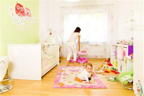 la chambre déco chambre bébé toutes les astuces pour peindre une