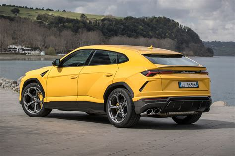 Review Lamborghini Urus by New Lamborghini Urus 2018 Review Pictures Auto Express