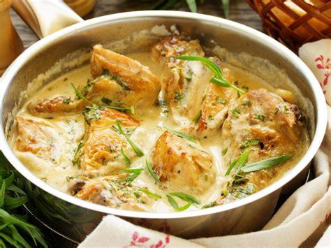 cuisiner des blancs de poulet moelleux poulet à l 39 estragon recette d 39 poulet à l 39 estragon marmiton