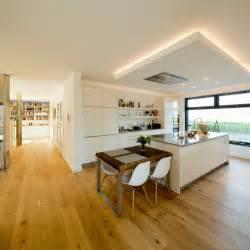 Gardinen Hohe Decken : 1000 ideen zu hohen decken auf pinterest haus architektur hohe decke dekorieren und sch ne ~ Indierocktalk.com Haus und Dekorationen
